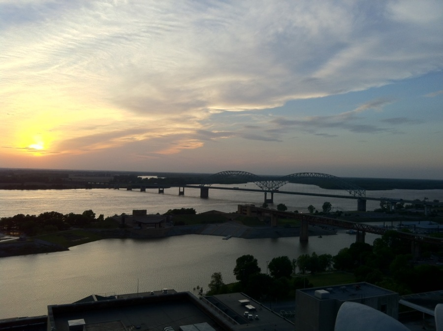 Madison rooftop, Memphis | Intentional Travelers