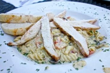 Pesto chicken mac and cheese