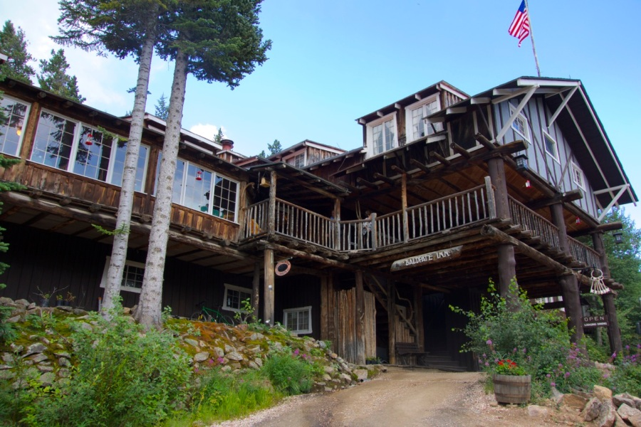 Baldpate Inn, Rocky Mountain, Colorado | Intentional Travelers