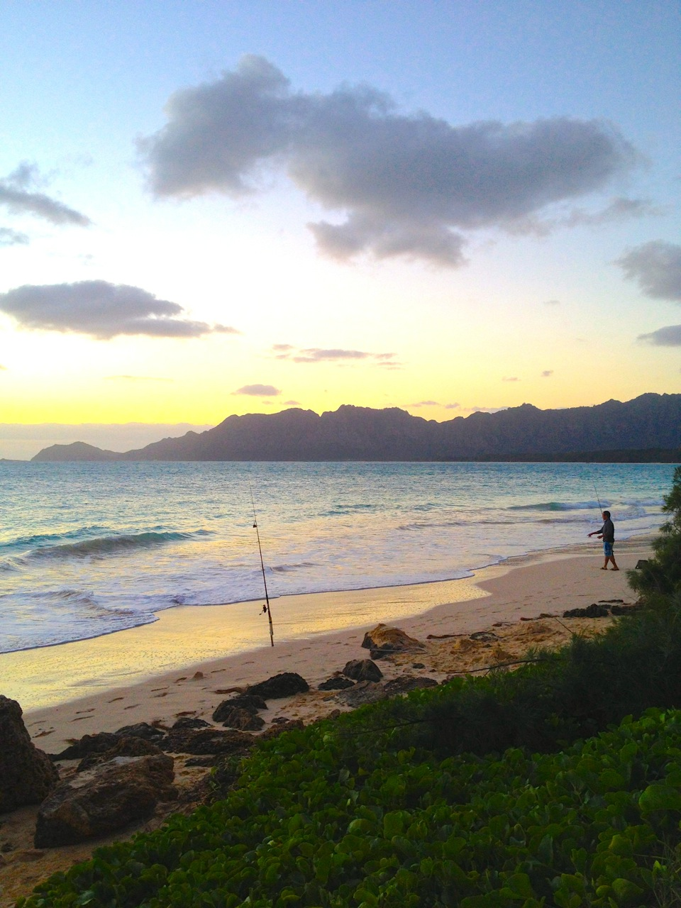 Fishing at sunrise - Bellows beach, Oahu, Hawaii | Intentional Travelers